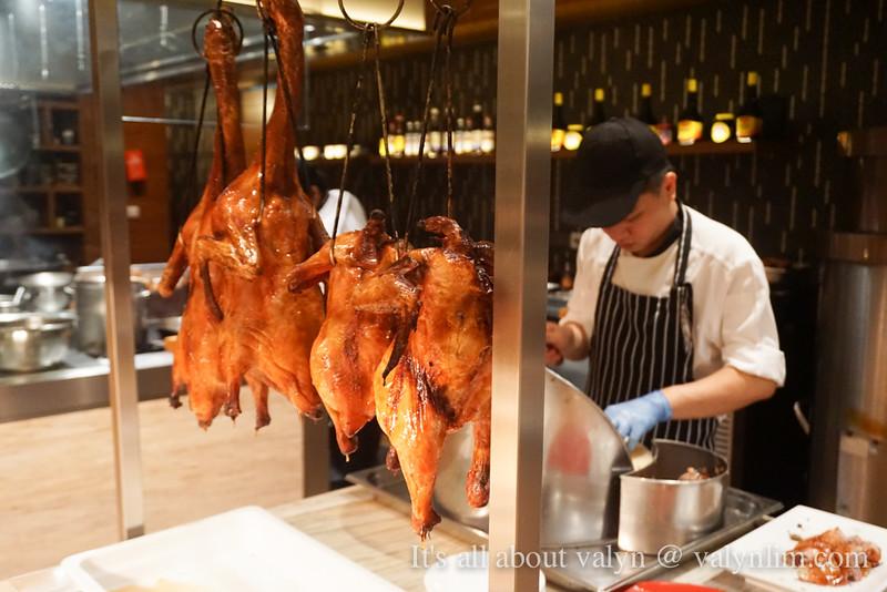 海鲜自助大餐还有三大民族美食让人心猿意马 Makan Kitchen DoubleTree Hilton JB